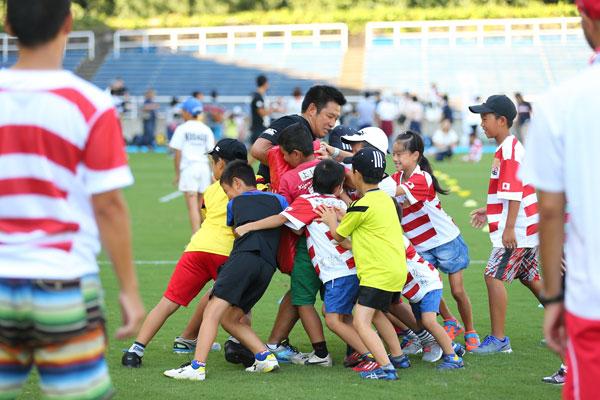 ラグビー体験教室と日本代表を応援する試合観戦のセット!